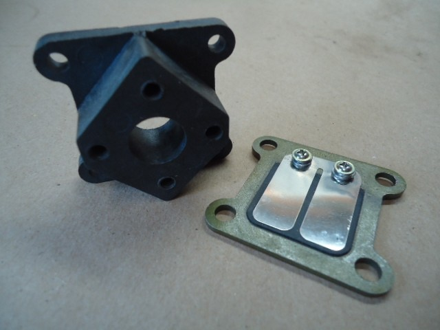 RCG 26cc Reed Block and Manifold Cod. 20484
